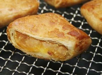 阿波えっとぶり なると金時折りパイ りんご果肉入り 断面イメージ